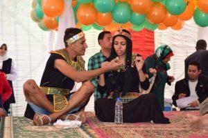 العرض الفني في مدرسة قنا الثانوية بنات بمحافظة قنا